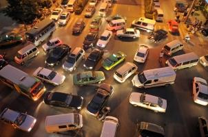 Korrektes Abbiegen verhindert ein mögliches Verkehrschaos.