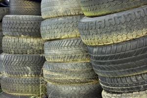 Abgefahrene Reifen sollten ausgetauscht werden.