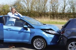 Unfälle vermeiden: Bei der Missachtung der Vorschriften für den Abstand ist ein Bußgeld fällig.