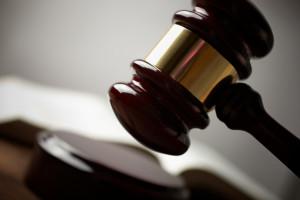 Um Akteneinsicht zu beantragen, können Sie auch einen Anwalt konsultieren.