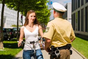 Die Anhörung zur Verkehrsordnungswidrigkeit kann auch von der Polizei geleistet werden.