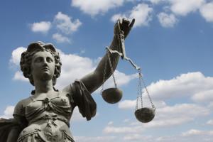 In manchen Fällen kann der Einspruch gegen den Bußgeldbescheid vor dem Amtsgericht landen.