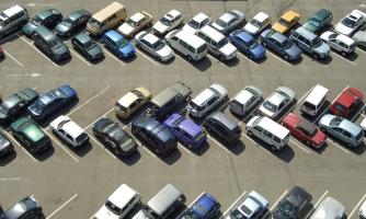 Halten und Parken gehören zum Alltag von jedem Autofahrer.
