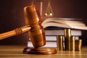 Bei einer Nötigung ist eine Strafe die Folge, die Sie mit einem Rechtsanwalt eventuell abwenden können.