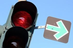 Beim Rotlichtverstoß gibt es auch Ausnahmen, wie zum Beispiel den grünen Pfeil.