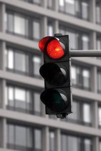 Beim Rotlichtverstoß können Sie das Fahrverbot nicht umgehen.