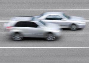 Beim Überholen muss eine Gefährdung der anderen Verkehrsteilnehmer ausgeschlossen werden.
