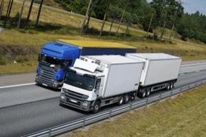 Durch das Überholverbot für Lkw sollen Elefantenrennen unterbunden werden.