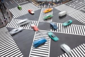 Durch die Regelungen zur Vorfahrt können Kreuzungen geordnet passiert werden.